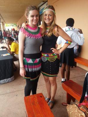 Ayanda (Mara) et Mbali (Hannah)