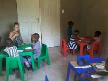 Lernen in einem richtigen Klassenzimmer