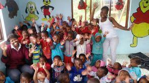 Les enfants de la crèche pendant la classe